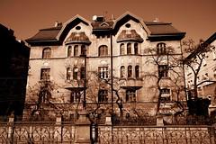 DSCF0049a_jnowak64 (jnowak64) Tags: poland polska malopolska cracow krakow krakoff ulicalubicz kamienica architektura wiosna mik sepia