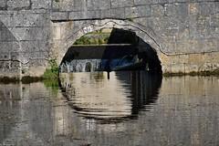 Le cercle (Mystycat =^..^=) Tags: brantôme dordogne aquitaine france pont eau reflets reflection rivière chutes pierres cercle rond