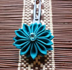 Teal Kanzashi Hair Pin (thea superstarr) Tags: kanzashi handmadeflowers hanakanzashi handmade hairflower hairaccessories theastarr
