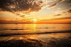 Sunset in Sihanoukville (Ellein Saar) Tags: cambodia sea seaside sky sunset travel travelling outdoor evening colors sun paradise clouds