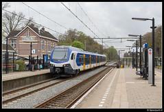 NSR 2217 - 7533 (Spoorpunt.nl) Tags: 15 april 2017 flirt 2217 nsr ns reizigers sprinter 7533 station wolfheze