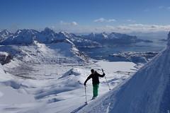 Rundfjellet 803m (Globo Alpin) Tags: lofoten norwegen skitouren winter 2017 skiflugreisen ausland wsf0019 hauptfoto