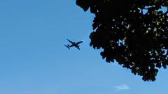 quero ir! (luyunes) Tags: voar passeio viagem viajar avião decolar motoz luciayunes céu azul