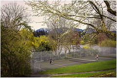 Springtime in Vancouver (D72_1573f) (Images Paulmario) Tags: canada vancouver britishcolumbia stanleypark lostlagoon tennis trees spring mountains