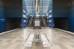 Underground (GER.LA - PHOTO WORKS) Tags: hamburg ubahn metro underground blau