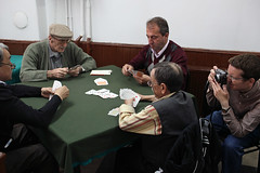 Card Game - Istanbul, Turkey (Maciej Dakowicz) Tags: turkey cafe student istanbul workshop participant uskudar travelphotography