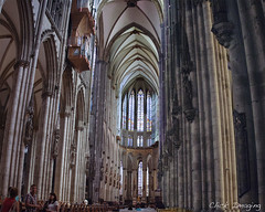 St. Peters Cathedral Colgne (Bob McCuaig Photography) Tags: stpeters canon germany lowlight europe cathedral cologne westerneurope romancatholic colognecathedral canon5dmkii