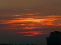 Dusk sets in (seikinsou) Tags: belgium belgique brussels bruxelles autumn sunset dusk red sky cloud olaf building