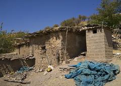 Old Village Of Azaban, Kurdistan, Iraq (Eric Lafforgue) Tags: poverty house colour horizontal outdoors asia iraq middleeast nobody nopeople iraqi kurdistan  irak kurdish kurd colorimage iraque northerniraq iraqikurdistan  dsc01091  iraaq       azaban eraqi pa