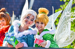 ACF - Tinkerbell and Periwinkle (EverythingDisney) Tags: disneyland tinkerbell disney parade fairy fawn periwinkle pixies filming dlr acf achristmasfantasy