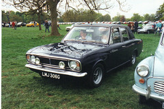 Ford Cortina 1600E - LMJ 306G (Andy Reeve-Smith) Tags: ford cortina bedfordshire mk2 hertfordshire 1600e lutonhoo lutonclassiccarshow