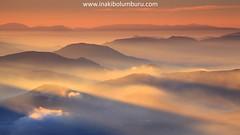 ARGIAREKIN JOLASTEN (II) (Obikani) Tags: mountain mountains sunrise light clouds sky amazing warm rays beauty canonikos