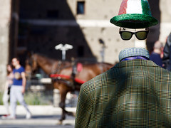 Faceless (Michele Ginolfi) Tags: street rome artist faceless hat glasses
