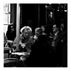 little ole wine drinker, me (japanese forms) Tags: ©japaneseforms2017 ボケ ボケ味 モノクロ 日本フォーム 黒と白 bw blackwhite blackandwhite blancoynegro bokeh candid monochrome random schwarzweis square squareformat strasenfotografie straatfotografie streetphotography vlaanderen zwartwit deanmartin