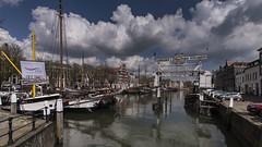 Dordrecht, Wolwevershaven & Kuipershaven (Jan Sluijter) Tags: dordrecht wolwevershaven kuipershaven straatman scheepslift clouds sky wolken lucht holland nederland stokholm netherlands visitholland