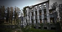 SaNaToRio (MaRuXa fotografía) Tags: canon maeruxa2 galicia ceruras sanatorio ruinas abandono edificio