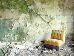 (soho42) Tags: mamiya645protl kodakportapro400 decay analog urbanexploration urbex lost hotel abandoned