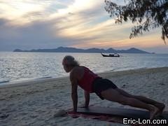 Yoga sun salutations at Kradan (4) (Eric Lon) Tags: kradanyogaavril2017 yoga sunrise salutations asanas poses postures beach plage mer thailand kradan island ile stretching flexibility etirement souplesse body corps fitness forme health sante ericlon