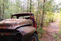 IMG_2747 (Irina Souiki) Tags: rusty crusty cars mcleansautowreckers milton ontario old oldcars