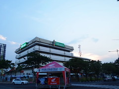 Siloam Gubeng (Everyone Sinks Starco (using album)) Tags: architecture arsitektur gedung building surabaya eastjava jawatimur rumahsakit hospital