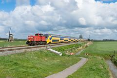 DBC 6416 met NS VIRM 8738 en 8705 te Visvliet, 17-04-2017 (Pieter Plas) Tags: ns dbc 6416 virm visvliet onnen leeuwarden groningen
