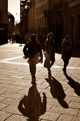 .....!.... :D (Claudio Taras) Tags: claudio contrasto controluce taras trier nikon toned monocromo monochrom bw biancoenero black portrait persone street shadow streetshot sepia