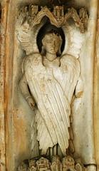 Angel. Bordeaux, Saint-Seurin, south portal (12th and 13th centuries, finished in 1267), archivolt. (markusschlicht) Tags: bordeaux burdeos saintseurin portal portail gothic gotik gothique gotico statue sculpture skulptur angel ange angelo engel seraphim séraphin cherubim