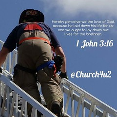 "1 John 3-16 ""Hereby perceive we the love of God, because he laid down his life for us: and we ought to lay down our lives for the brethren."" (@CHURCH4U2) Tags: bible verse pic"