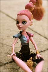 Gigina... (Lenekie) Tags: monster toy high doll outdoor grant gigi mattel 13wnsche monsterhigh 13wishes gigigrant