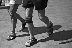 Pie de atleta (Eduardo Chibs) Tags: barcelona street urban blackandwhite bw blancoynegro candid bn athlete atleta