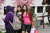 Visitors (sosial99) Tags: girls cute beautiful canon eos market central malaysia kualalumpur kl pasar seni awek 1000d