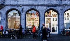 Bruges riflessa... (Peppis) Tags: nikon belgium belgique brugge n bruges nationalgeographic belgio peppis nikond7000 nikonclubit