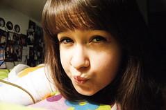 DSC00084 (Lola Massotti) Tags: red portrait brown color girl beautiful smile hair nose rojo hands chica sensitive retrato lips preciosa mano cry boca guapa risa nariz selfie tenue