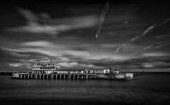 Ramsgate East Pier (LeePellingPhotography.co.uk) Tags: silver mono pier big cafe long exposure ar harbour east lee pro filters stopper ramsgate effex