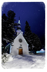 L'hiver et St-Bernard (DHaug) Tags: door trees winter snow night canon eos catholic path chapel qubec fir snowing neige spruce chapelle monttremblant wintery ef1635mmf28liiusm