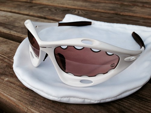 5c9c00b6b1 Oakley Pro Racing Jacket Pearl   VR50 To Brown Transition - a photo ...
