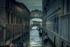 Mysterious Venice (Sizun Eye) Tags: venice italy europe bridge bridgeofsighs mystery venise gondola tourists riodelacanonica winter evening dusk lights atmosphère atmosphere moody klimat wenecja unesco worldheritage canal sizuneye nikond750 nikon d750 tamron2470mmf28 tamron 2470mm scenery scenic gettyimages