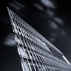 Flatland building (Ulrich Neitzel) Tags: acuteangle architecture architektur bw bewegungsunschärfe building deichtorcenter gebäude germany hamburg longexposure modern monochrome motionblur nd1000 olympusem5 schwarzweiss flat cloud wolke