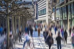 Blurred shopper's (Helmut Wendeler aus Hanau) Tags: zeil frankfurt kunden käufer shopper hektik
