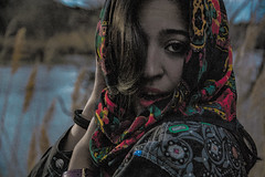 warholizada (IridiscenciasNaturales) Tags: manton lady gitana remolino bella pintada detalle