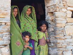 Bhil family near Udaipur (alainloss) Tags: adivasi tribal bhil gujarat