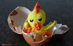 ...Eitje... (cegefoto (temporarily less active)) Tags: pasen easter ei egg kuiken chick chickabiddy f7dfoto7daagse