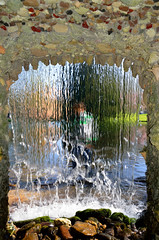 Rozendaal, tuin met schelpennis met waterval van kasteel Rosendael, Gelderland Nederland 2017 (wally nelemans) Tags: rozendaal tuin garden schelpennis waterval waterfall kasteel castle rosendael gelderland nederland holland thenetherlands 2017