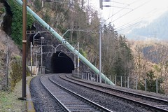 Funicular Amsteg - Bristen (Kecko) Tags: 2017 kecko switzerland swiss schweiz suisse svizzera innerschweiz zentralschweiz uri silenen amsteg bristen maderanertal kraftwerk wasserkraftwerk kwa sbb hydroelectricplant standseilbahn funicular wasserschloss schiltwald druckleitung gotthardstrecke gotthardbahn eisenbahn bahn gleis schienen railway railroad tracks bristentunnel swissphoto geotagged geo:lat=46766820 geo:lon=8672160