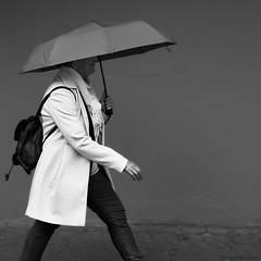 Ludwigshafen (rainerneumann831) Tags: ludwigshafen hemshof frau streetscene regenschirm blackwhite quadratisch 1x1