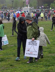 TWH25852 (crop) (huebner family photos) Tags: sony hx100v 2017 washington dc protests demonstrations marchforscience earthday