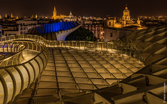 Sevilla at night from Metropol Parasol (Henk Verheyen) Tags: andalusië es sevilla spanje avond vanafmetropolparasol andalucía night nightphoto avondennachtfotografie metropol parasol