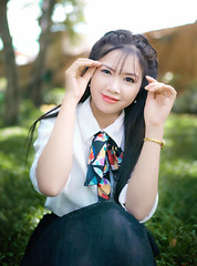 Thiên Hà (Sài gòn-01665 374 974) Tags: green snor sony sigma photography photographer flickr digital new featured light art life colorful colour colours photoshop blend asia camera sweet lens artist amazing bokeh dof depthoffield blur 35mm portrait beauty pretty people woman girl lady person
