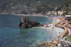 Monterosso al Mare, Cinque Terre (Rene Stannarius) Tags: italy cinque terre mittelmeer monterosso al mare mediterranean ufer küste meer unescowelterbe liguria five lands