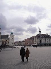 Warsaw: Plac Zamkowy (marco_albcs) Tags: warsaw warszawa zamkowy plac square olsquare oldtown poland polska couple oldcouple love